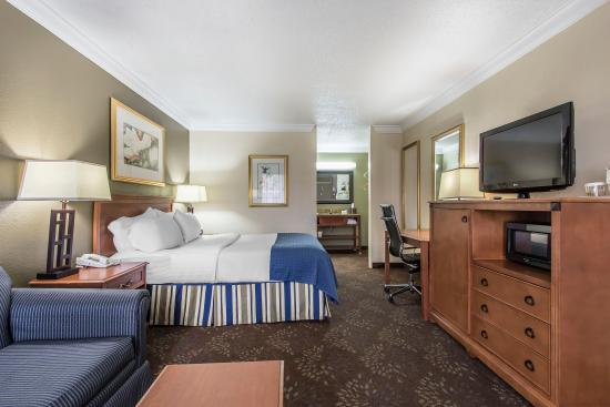 Clarion Inn Hotel: A Complete Package