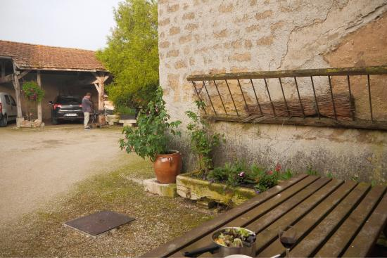 La Grange de Flavigny: a very nice place run by a lovely couple who is very helpful. good wifi. bringing out the bbq, b