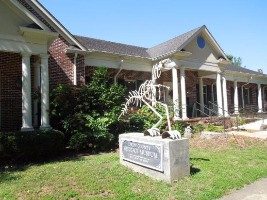 Union County Heritage Museum: front of building; note dinosaur