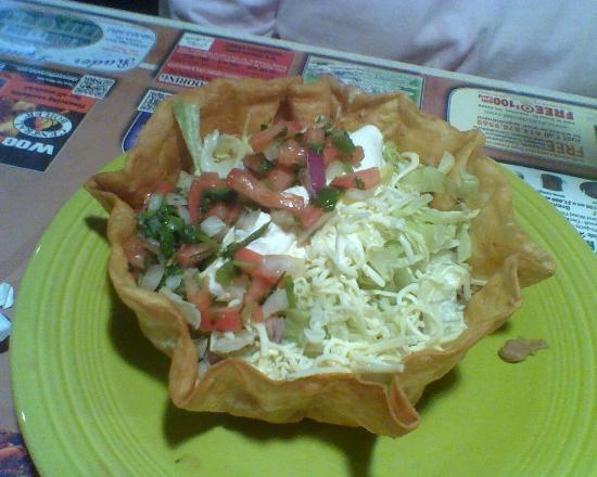 Los Mariachis: Taco Salad Beef