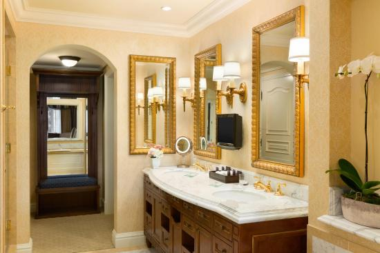 Fairmont Grand Del Mar: Guest Bathroom