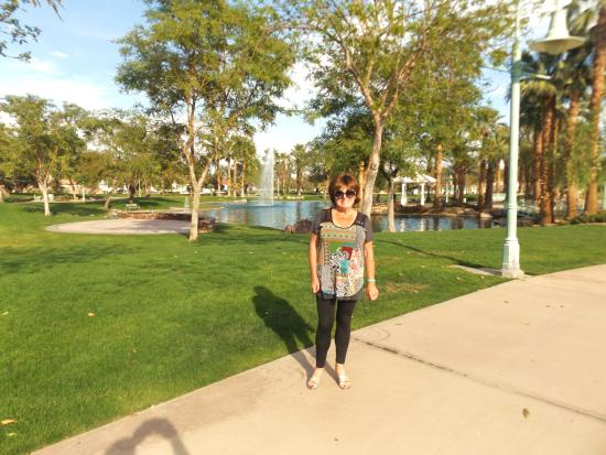 Old Town La Quinta: Civic park in the same area