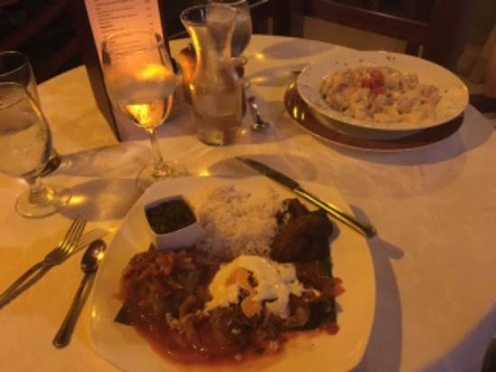 Tambor, Κόστα Ρίκα: Pork tenderloin and chicken/ham fettuccine for dinner