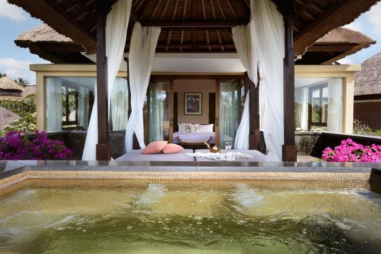 Kamandalu Ubud : Jacuzzi at 3 Bedroom Pool Villa
