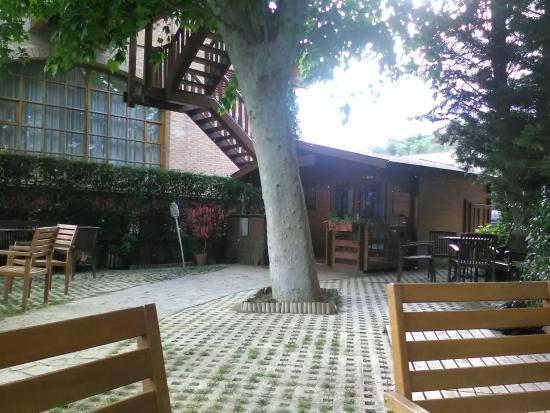 Hotel Jakue : cortile esterno