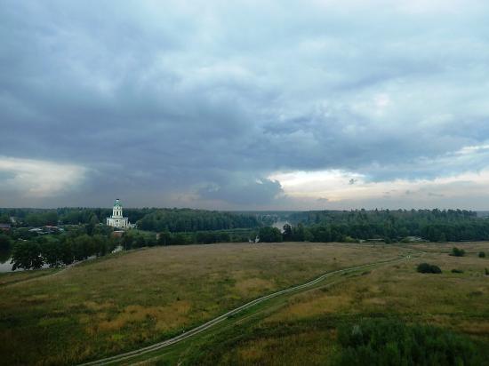 Shelkovo, Russland: Конец мая