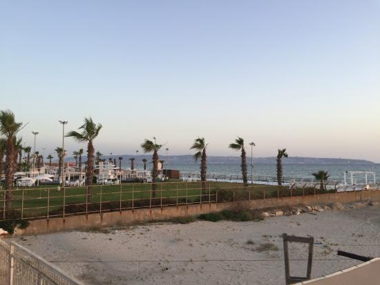 Acco Beach Hotel: View from the balcony towards neighbouring resort
