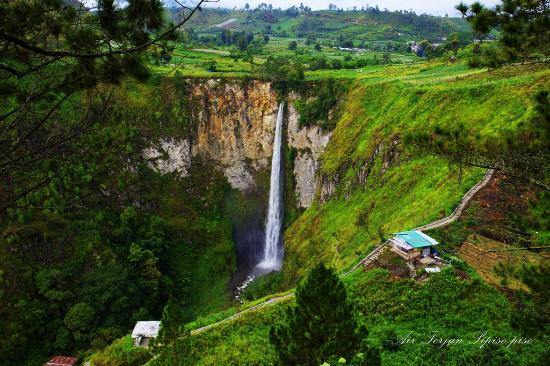 ‪ميدان, إندونيسيا: North Sumatera - Sipisopiso Water Fall‬