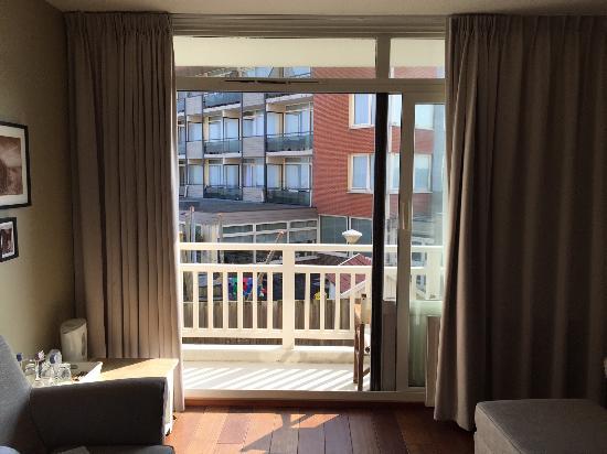 Hotel Noordzee : het vreselijke zicht, hoezo duinzicht?