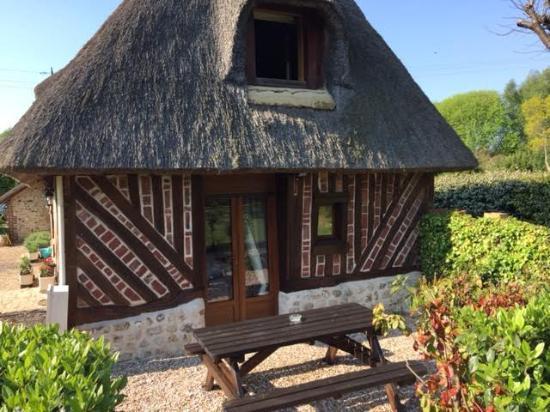 Pennedepie, Francia: zitje bij achterste tuinkamer