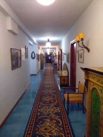 Arathena Rocks Hotel: De gang naar de kamers