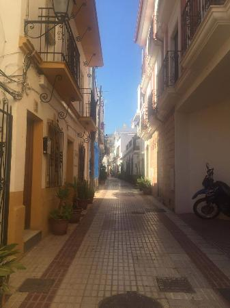 Hostal La Luna: The narrow streets protect you from the sounds from outside and the busy roads.