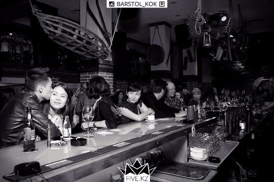 Barstol & Kok