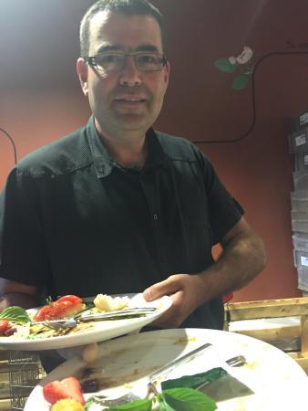 Tregor'Inn : Bon plan pour manger le midi sur lannion. Plats et pizza très correct et personnel sympas.