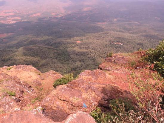Ozone Valley : Views from Baba Budan Giri