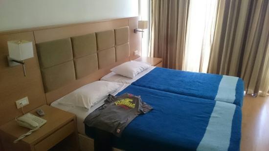 Lomeniz Hotel: DSC_0051_large.jpg