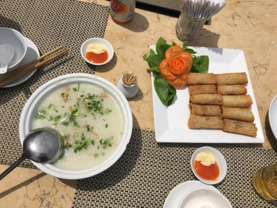 Syrena Restaurant : Clam soup & Spring roll