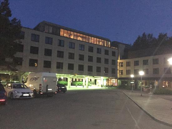 Radisson Blu Hotel, Espoo: Неплохой в целом отель - ожидаемые сервис и качество, все-таки серьезная сеть, завтрак на уровне