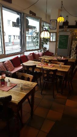Von innen, schön gemütlich - Bild von Oma\'s Küche, Köln - TripAdvisor