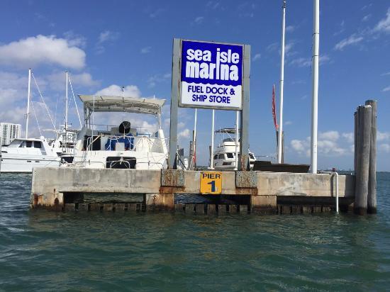 Miami Boat and Yacht Rentals: Sea Isle Marina