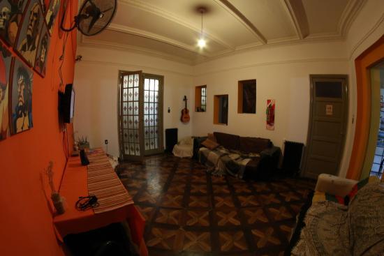 Turning Point Hostel: Living room 2
