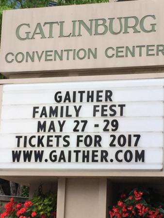 Gatlinburg convention center tn top tips before you go for Gatlinburg craft show 2017