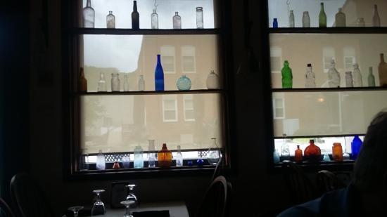 Glen Rock, PA: Glass bottles in the Fountain Room