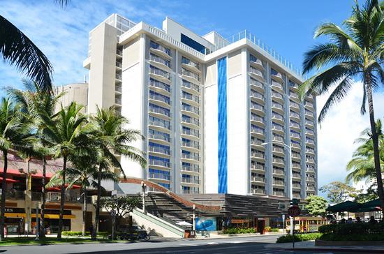 Hokulani Waikiki by Hilton Grand Vacations: Exterior and Parking