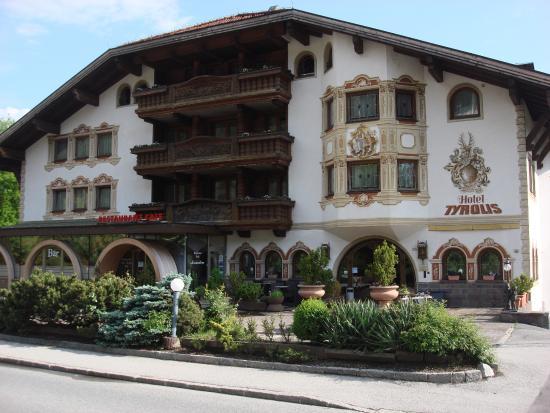 Tyrolis Hotel