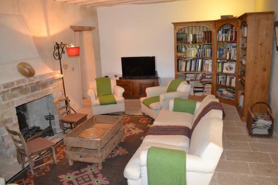La Garance en Provence: salon pour lire ou regarder la télé