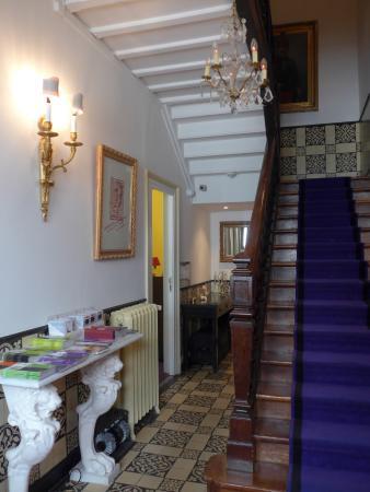 Hotel Windsor Home: Entrée de l'hôtel