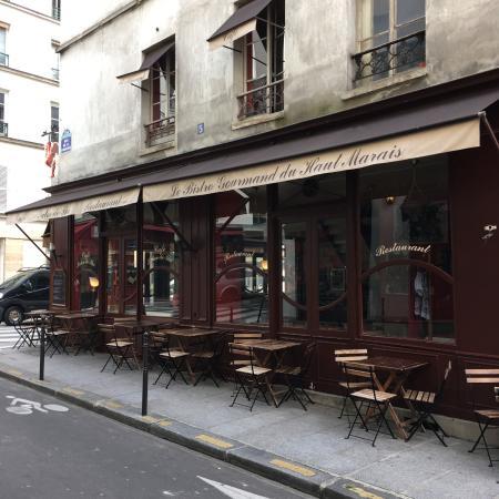 Le Bistrot Gourmand du Haut Marais: Tables en terrasse dans rue peu passante