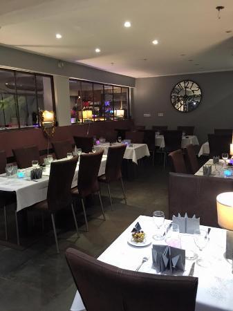 restaurant o visconte dans villeneuve loubet avec cuisine fran aise. Black Bedroom Furniture Sets. Home Design Ideas