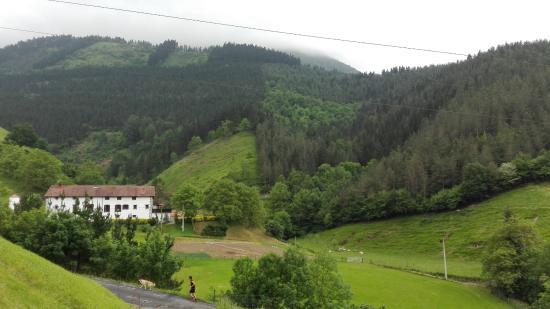 Zaldivia, Spain: vista desde la carretera de acceso