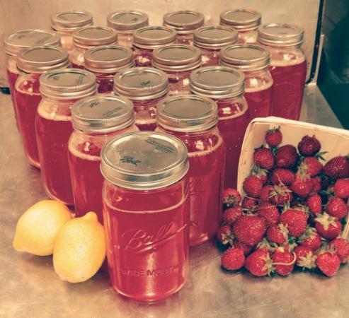 Rue Dumaine : Strawberry lemonade sold at the Farmers market