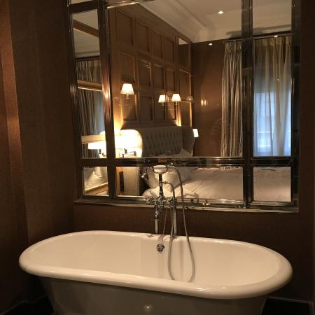 Hotel Rector: Suite deluxe bathroom