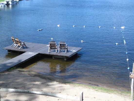 Pine Knoll Lodge & Cabins Inc Photo