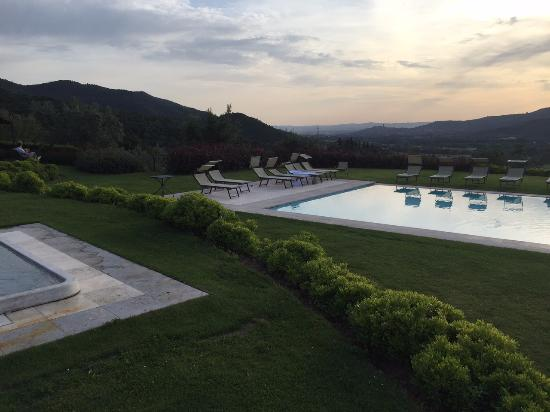 Castiglion Fiorentino, Italy: View from pool area