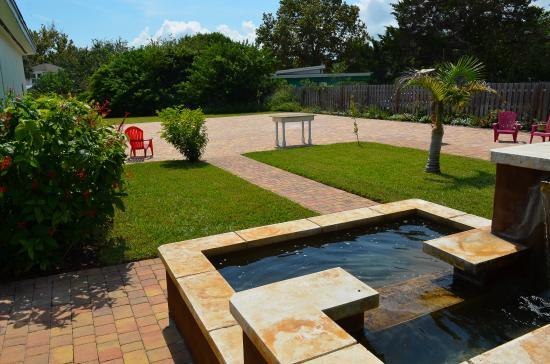 Vilano Beach Garden Inn Back Patio + Fountain