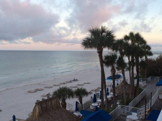 Doubletree Beach Resort by Hilton Tampa Bay / North Redington Beach: View from 3rd floor ocean view room