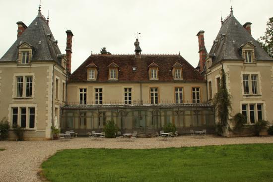 Igny, Francia: Vooraanzicht van het kasteeltje