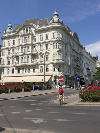 Klassisches Wiener Kaffeehaus