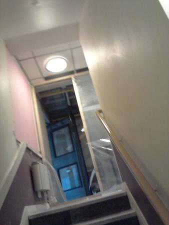 Premier Inn Glasgow (Cumbernauld) Hotel: stairs, door was open all night letting in cold