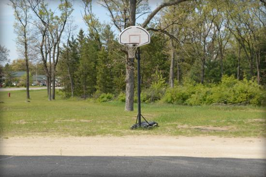Adams, WI: basket ball play area