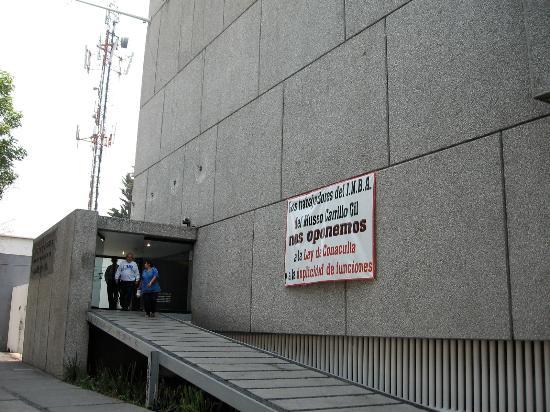 Museo de Arte Carrillo Gil: カリージョヒル美術館
