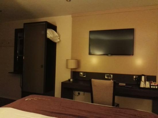 Premier Inn Elgin Hotel: TA_IMG_20160608_222750_large.jpg