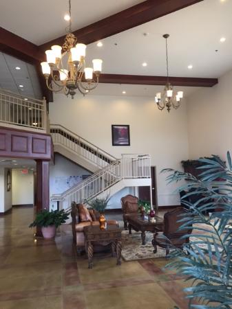 Amory, MS: Front entrance lobby area