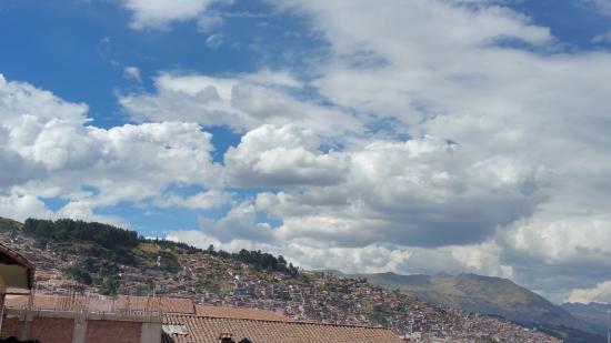 Picol Hostal: Vista de las montañas alrededor de Cusco