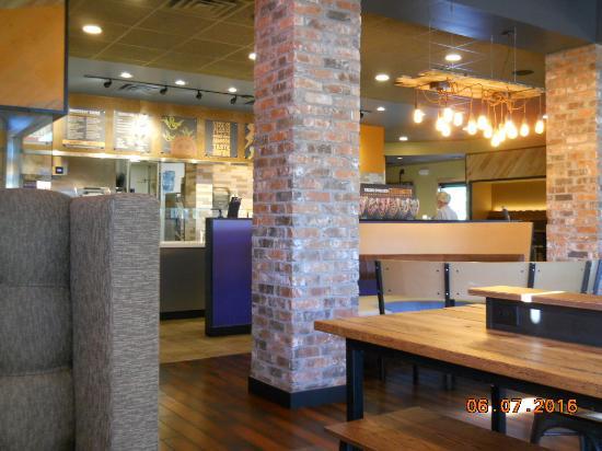 Mission, KS: Inside restaurant