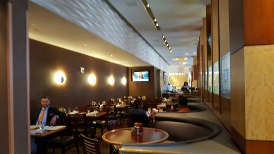 Diamond Tavern - Hilton Baltimore: 20160608_111705_large.jpg